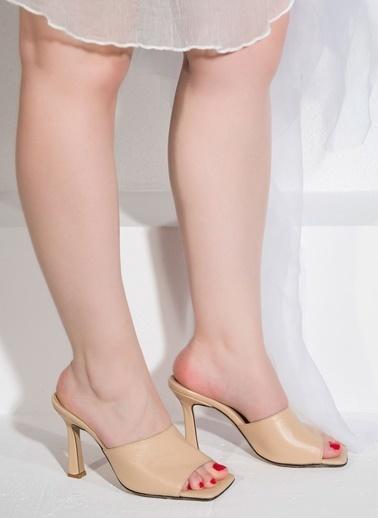 Nemesis Shoes Nemesis Shoes Gerçek Deri Topuklu Kadın Terlik Bej